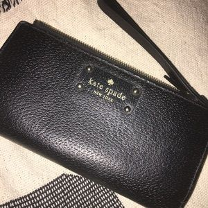 AUTHENTIC KATE SPADE LEATHER WRISTLET